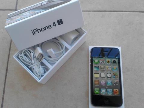 Selling Apple iphone 4S 64gb Unlocked / Samsung Galaxy S3 Unlocked  ( BUY 3 GET 1 FREE )